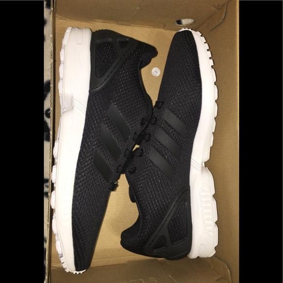 the latest 91560 efb16 Boys Adidas Zx Flux Black/White